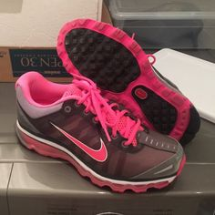 Nike Air Max running shoe size 8.5 • very good condition Nike Shoes Athletic Shoes