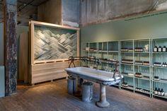 伊索彈出店安裝由弗里達·埃斯科韋多,紐約市»零售設計博客