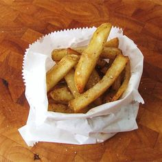Chip Truck Fries Healthy French Fries, French Fries Recipe, Homemade French Fries, Hamburgers, Potato Dishes, Potato Recipes, Dishes Recipes, Food Truck, Seasoned Potato Wedges