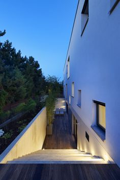 Image 8 of 22 from gallery of Villa Pruhonice / Jestico + Whiles. Photograph by Ales Jungmann
