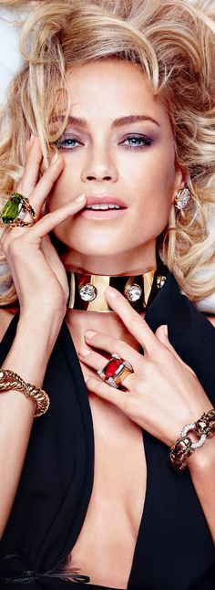 Glamour Girls ~ Carolyn Murphy for David Webb Carolyn Murphy, David Webb, Estilo Fashion, Look Fashion, Fashion Brand, Jewelry Ads, Vintage Jewelry, Jewelry Trends, Bold Jewelry