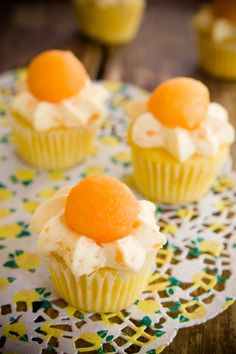 Things that make ya say  HmmMMMMMMmmmMMMM. Cantaloupe Cupcakes - from Cupcake Project