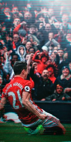 Ander Herrera has signed to PSG we wish him all the best in his new chapter and thank him for being part of our wonderful club Manchester United ❤️ One Love Manchester United, Team Wallpaper, Old Libraries, Dope Wallpapers, Vintage Art Prints, Red Army, Boho Diy, Man United, New Chapter