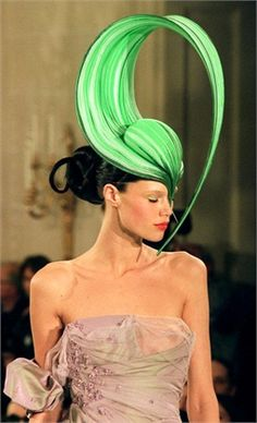Philip Treacy SS 2000 Haute Couture. #passion4hats