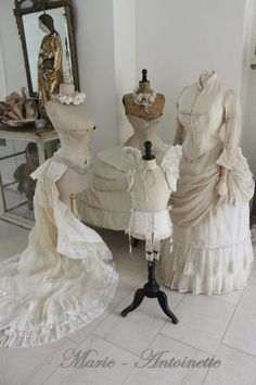 ~~~Such lovely dresses~~~. Dress Form Mannequin, Vintage Mannequin, Vintage Corset, Lovely Dresses, Vintage Dresses, Vintage Outfits, Vintage Stil, Vintage Shabby Chic, Corsets