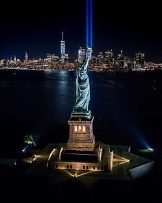 Statue of Liberty, New York. New York Travel, Travel Usa, New York Pictures, Washington Square Park, Destinations, Destination Voyage, City That Never Sleeps, Dream City, Road Trip Usa