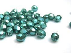50 St. 4mm - Coated Teal böhmische Perlen von Daria's Delight - Perlen, Schmuckzubehör & Bastelbedarf auf DaWanda.com
