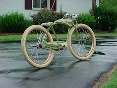 """I have one, my first B/O bike """"Back Alley Sally"""", need to overhaul her and bring her back out again [img] Velo Design, Bicycle Design, Cruiser Bicycle, Motorized Bicycle, Bike Cart, Motorised Bike, Retro Bicycle, Push Bikes, Vintage Bicycles"""