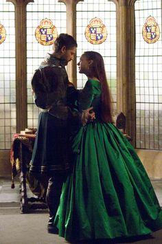 """The Other Boleyn Girl"", starring Eric Bana (Henry VIII), Natalie Portman (Anne Boleyn) and Scarlett Johansson (Mary Boleyn, the other Boleyn girl). Eric Bana, Tudor Costumes, Movie Costumes, Anne Boleyn, Mary Boleyn, Natalie Portman, Scarlett Johansson, Kate Middleton, Elizabeth Ii"