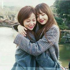 Jisoo and Lisa #BLACKPINK