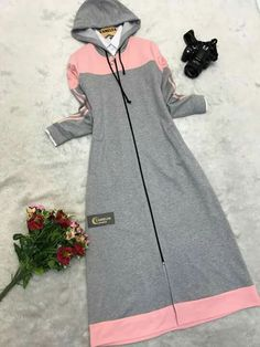Ideas for style hijab casual kaos Modest Fashion Hijab, Hijab Style Dress, Casual Hijab Outfit, Fashion Dresses, Arab Fashion, Muslim Fashion, Fashion Wear, Dress Muslim Modern, Modele Hijab