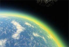 Un composé chimique interdit étrangement présent dans l'atmosphère