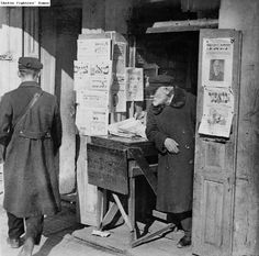 A newsstand in Vilnius, Lithuania, selling Yiddish-language newspapers. Taken sometime between 1918 and 1939. (Photo credit: Ghetto Fighters House Archives)