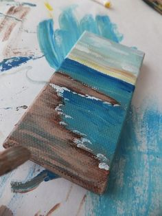 This website has awesome art ideas. I could read it all day. DIY ocean painting. Bathroom picture