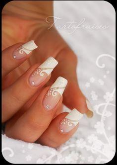 Tartofraises www.nail-art.fr