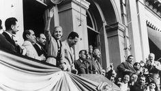 23 de septiembre de 1947 en Plaza de Mayo, sanción de la ley que otorgó el derecho al voto a la mujer argentina