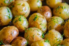 Cartofi noi cu unt si marar la cuptor - Retete practice Jamie Oliver, Easter Eggs, Unt, Food Photography, Potatoes, Baking, Vegetables, Recipes, Potato