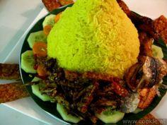 Nasi kuning or nasi tumpeng   cookle.at