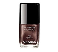 Vernis à ongles pour l'été : 697 Terraba de Chanel, couleur bronze brun pigments http://www.vogue.fr/beaute/shopping/diaporama/les-20-couleurs-de-vernis-de-lt/21162/carrousel