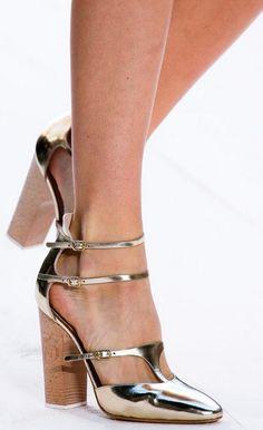 Sapatos  tiras finas