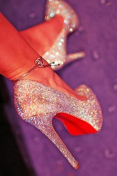 sexy heel.... I so want these!!!!