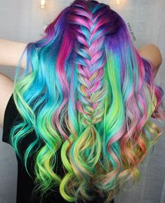 Homemade tips for hair to grow hair faster and thicker The human body is beautiful, with a fit and proportionate body Pretty Hair Color, Hair Color And Cut, Hair Dye Colors, Ombre Hair Color, Unicorn Hair Color, Color Fantasia, Pinterest Hair, Coloured Hair, Bright Hair