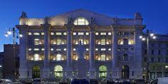 Milano Borsası, İtalya'nın Milano kentinde bulunmaktadır. 1997 yılın özelleştirilmiştir ve 2007 yılında da London Stock Exchange Group'un bir parçası olmuştur.