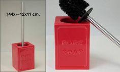 Escobillero de cerámica rojo    Medidas: 44x12x11cm    *Otros colores disponibles verde, azul y violeta    Articulos a juego    *Caja de algodones  *Juego de baño