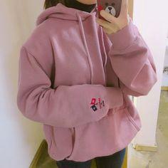 Pinterest @angietopaz13 Korean Fashion Pastel, Asian Fashion, Kpop Outfits, Korean Outfits, Stylish Outfits, Cute Outfits, Tokyo Fashion, Minimal Fashion, Fashion Pants