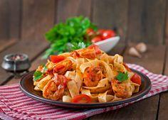 Simmer up some savory shrimp for this recipe. Add the shrimp to some linguine pasta for a hearty pasta seafood dish. Fish Recipes, Seafood Recipes, Pasta Recipes, Cooking Recipes, Seafood Dishes, Pasta Dishes, Shrimp Fettuccine, Avocado Salad Recipes, One Pot Meals