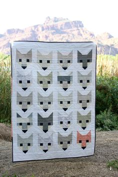 grey fancy fox quilt