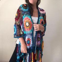 Crochet Flower Squares, Crochet Flowers, Crochet Jacket, Crochet Poncho, Crochet Granny, Tunisian Crochet Patterns, Granny Square Sweater, Popular Crochet, Crochet Headband Pattern