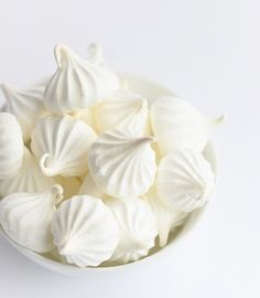 How to Make Perfect Meringues - a photo guide for making meringues that will come out perfect every single time!