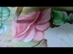Pintando rosas com poema ao fundo - pintura em tecido
