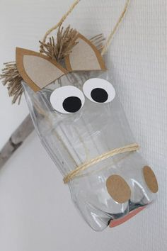 Make a horse for Santa using repurposed items - het paard van sinterklaas Craft Activities, Preschool Crafts, Diy And Crafts, Crafts For Kids, Horse Crafts Kids, Horse Party, Cowboy Party, Cardboard Crafts, Paper Crafts