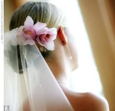 veil with flower pin