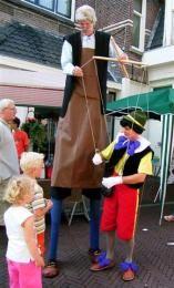 Pinokkio en Gepetto - straattheater | Artiestenbureau JB Productions