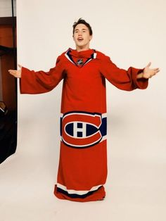 """Brendan Gallagher """"Snuggie""""- this is actually a thing. Oh man. They totally picked the perfect player to model it too! All Mlb Teams, Hockey Teams, Hockey Players, Montreal Canadiens, Hockey Mom, Ice Hockey, Of Montreal, Kids Sports, Nhl"""