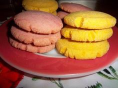 Pan Dulce ~ Favorite Mexican Bakery Treats - The Pineapple in the Kitchen - Polvorones Mexican Shortbread Cookies - Mexican Bakery, Mexican Pastries, Mexican Sweet Breads, Mexican Bread, Mexican Dishes, Pozole, Churros, Tamales, Baking Recipes