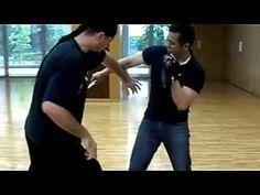 Knife fighting Wing Chun Martial Arts, Self Defense Martial Arts, Martial Arts Weapons, Martial Arts Training, Martial Arts Techniques, Self Defense Techniques, Tactical Training, Hand To Hand Combat, Sword Fight