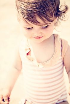 the beach- @Chassity Evans 's gorgeous little girl. Photo by Gray Benko {love the lighting and composition}