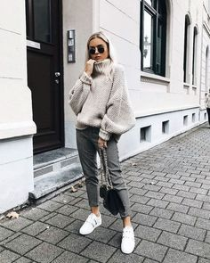 Sneakers fashion fall, fashion mode, look fashion, fashion autumn win Mode Outfits, Office Outfits, Winter Outfits, Casual Outfits, Fashion Outfits, Sneakers Fashion, Winter Clothes, Casual Shoes, Summer Outfits