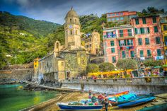 cinque terre amalfi coast building exterior nautical vessel built structure mode of transportation travel destinations Travel Around The World, Around The Worlds, Travel Tips With Baby, Cinque Terre Italy, Road Trip Packing, Italian Village, Colourful Buildings, Beautiful Buildings, Building Exterior