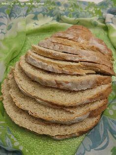 Khadija is in the Kitchen: PAIN AU MIEL ET À L'HUILE D'OLIVE / HONEY AND OLIVE OIL BREAD / PAN CON MIEL Y ACEITE DE OLIVA
