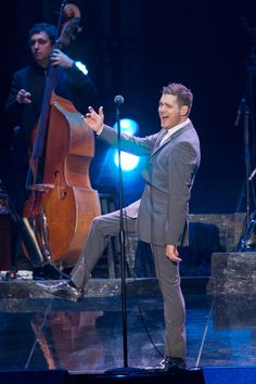 Michael Buble hits the stage  | followpics.co