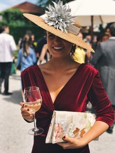 Love the top of this dress! Wedding Guest Style, Wedding Looks, Wedding Hats, Wedding Attire, Fiesta Outfit, Races Fashion, Estilo Fashion, Outfits With Hats, Dress Me Up