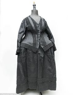 Grand: The main outfit is a silk taffeta and bomberdine bodice and matching grograin skirt with 43