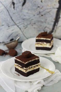 Mascarpone and coffee cake Mini Cakes, Cupcake Cakes, Fresh Fruit Tart, Romanian Desserts, Homemade Sweets, Sweets Cake, Something Sweet, Desert Recipes, Coffee Cake