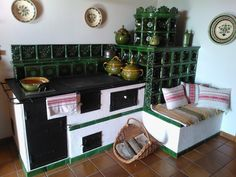 Kachelofen kitchen combo by Bende Zsolt, Hungary. Kitchen Redo, Home Decor Kitchen, Rustic Kitchen, Outdoor Oven, Fire Cooking, Wood Fired Oven, Rocket Stoves, Earthship, Herd