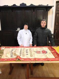 Il gonfalone che non si era spostato da Beyoğlu da 99 anni, ora e' ospite presso le suore benedettine. Suor Maria Lucia ce lo riconsegnera' a Maggio. Per il 2013 sara' pronto anche il gonfalone dei 150 anni.